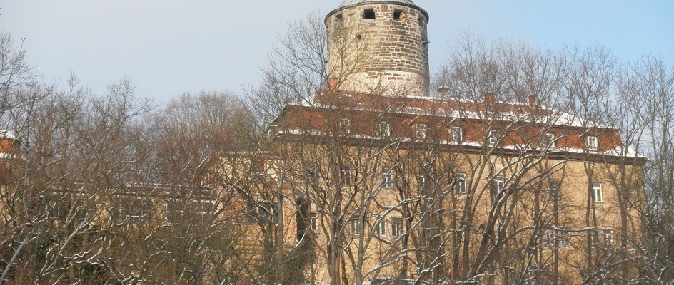 "Bild: Tonndorf (Quelle: ""Schloss Tonndorf 2012"" von Wikswat - Eigenes Werk. Lizenziert unter CC BY-SA 3.0 über Wikimedia Commons - https://commons.wikimedia.org/wiki/File:Schloss_Tonndorf_2012.JPG#/media/File:Schloss_Tonndorf_2012.JPG)"